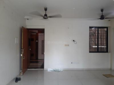 Gallery Cover Image of 1095 Sq.ft 3 BHK Apartment for rent in Goregaon West for 65000
