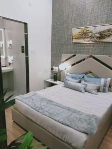 Gallery Cover Image of 630 Sq.ft 1 BHK Apartment for buy in Paranjape Blueridge The Groves, Hinjewadi for 4150000