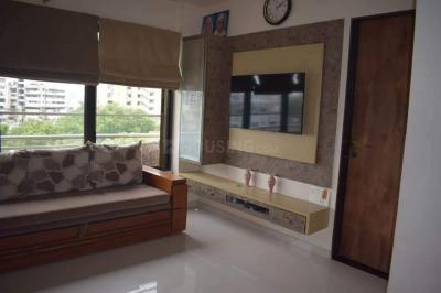Gallery Cover Image of 1200 Sq.ft 2 BHK Apartment for rent in Celebrity Projects Celebrity Residency, Paldi for 25000