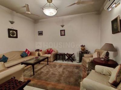 Gallery Cover Image of 1800 Sq.ft 3 BHK Apartment for buy in Sarita Vihar for 17500000