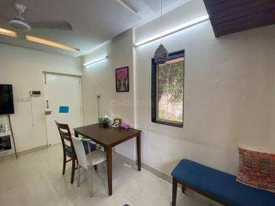 Gallery Cover Image of 800 Sq.ft 2 BHK Apartment for buy in Krishna Niwas Apt, Khar West for 30000000