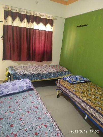 घनसोली में संजय पीजी सर्विस के बेडरूम की तस्वीर
