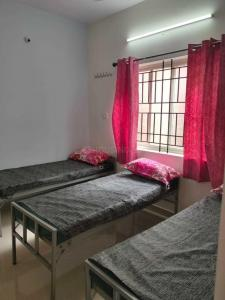 Bedroom Image of Nalini PG For Girls At Srirampura Metro in Rajajinagar