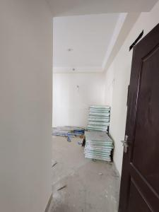 Gallery Cover Image of 950 Sq.ft 2 BHK Apartment for buy in GOLF CITY, Sector 75 for 4000000