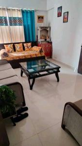 Gallery Cover Image of 640 Sq.ft 1 BHK Apartment for rent in DB Ozone, Dahisar East for 17000