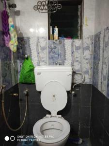 Bathroom Image of PG 4271218 Andheri West in Andheri West