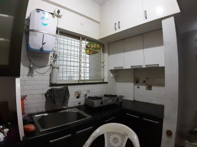 Gallery Cover Image of 1340 Sq.ft 3 BHK Apartment for rent in Hosakerehalli for 17000