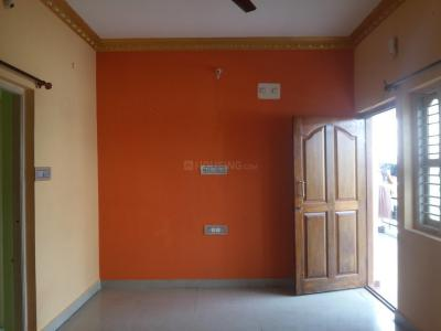 Gallery Cover Image of 800 Sq.ft 2 BHK Apartment for rent in Whitefield for 14000
