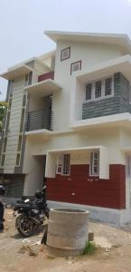Gallery Cover Image of 1600 Sq.ft 3 BHK Independent House for buy in Eroor for 7500000