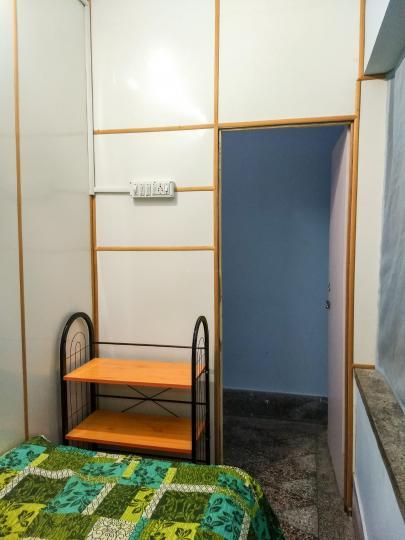 Bedroom Image of Veg-ladies PG At Dum Dum Metro in Dum Dum