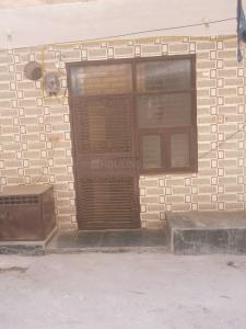 Gallery Cover Image of 450 Sq.ft 1 BHK Independent Floor for rent in Ashok Nagar for 13000