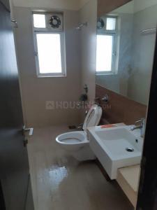 नथनी हाइट्स, कमठीपुरा  में 34500000  खरीदें  के लिए 1200 Sq.ft 2 BHK अपार्टमेंट के बाथरूम  की तस्वीर