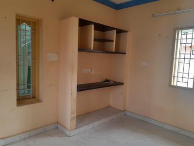 Gallery Cover Image of 600 Sq.ft 1 BHK Independent House for rent in Sholinganallur for 8500