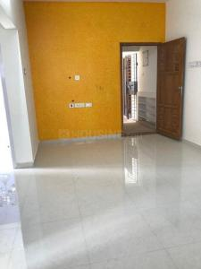 Gallery Cover Image of 740 Sq.ft 2 BHK Apartment for buy in Selaiyur for 3500000