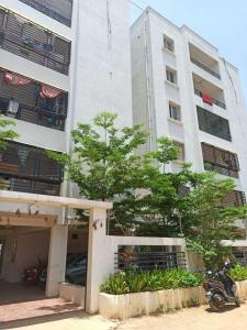 Gallery Cover Image of 1285 Sq.ft 2 BHK Apartment for rent in Narsingi for 20000