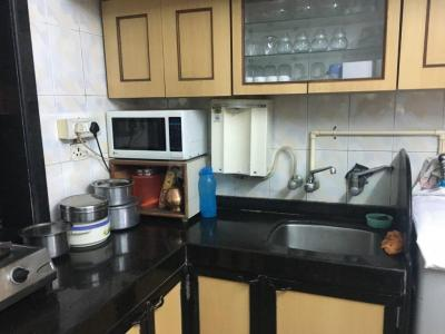 Gallery Cover Image of 1100 Sq.ft 2 BHK Apartment for rent in Malad East for 60000