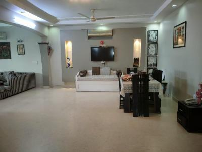 Gallery Cover Image of 2250 Sq.ft 4 BHK Independent Floor for buy in Saket for 30000000