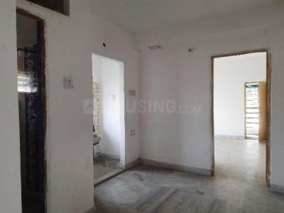 Gallery Cover Image of 750 Sq.ft 2 BHK Apartment for buy in South Dum Dum for 2700000