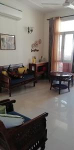 Gallery Cover Image of 3000 Sq.ft 5 BHK Villa for buy in Unitech Green Wood City, Sector 45 for 57000000