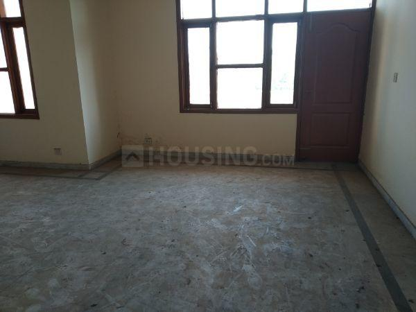 Living Room Image of 1600 Sq.ft 3 BHK Apartment for rent in Sector 34 for 20000