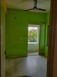Gallery Cover Image of 800 Sq.ft 2 BHK Apartment for rent in Kalighat for 19500