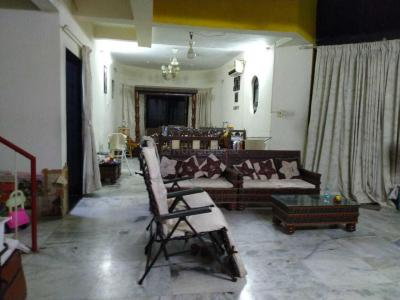 Gallery Cover Image of 2450 Sq.ft 4 BHK Independent Floor for buy in Goregaon East for 46000000