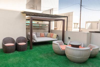 Gallery Cover Image of 2800 Sq.ft 4 BHK Apartment for buy in Shela for 19000000