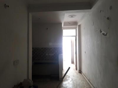 Gallery Cover Image of 750 Sq.ft 2 BHK Apartment for rent in Sector 121 for 6000