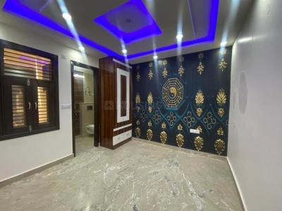 Gallery Cover Image of 1000 Sq.ft 3 BHK Independent Floor for buy in Dwarka Mor for 4100000