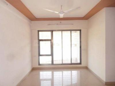 Gallery Cover Image of 660 Sq.ft 2 BHK Apartment for rent in Kandivali East for 24000