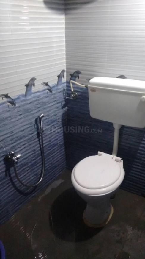 Bathroom Image of 350 Sq.ft 1 BHK Independent House for rent in Sakinaka for 9000