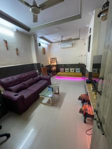 Gallery Cover Image of 500 Sq.ft 1 BHK Apartment for buy in Malad West for 11000000