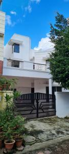 Gallery Cover Image of 3800 Sq.ft 3 BHK Villa for buy in Ansal Pradhan Enclave, Bharat Nagar for 15000000