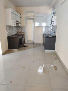 Gallery Cover Image of 1250 Sq.ft 2 BHK Apartment for rent in Mahagun Moderne, Sector 78 for 19500