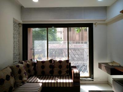 Gallery Cover Image of 900 Sq.ft 2 BHK Apartment for buy in Malad West for 11100000