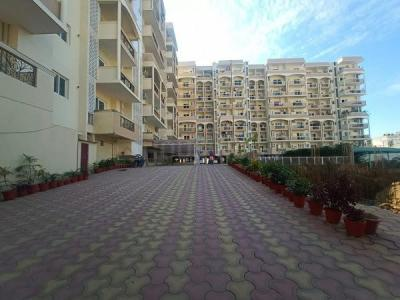 Gallery Cover Image of 1800 Sq.ft 3 BHK Apartment for rent in Jakhan for 24000