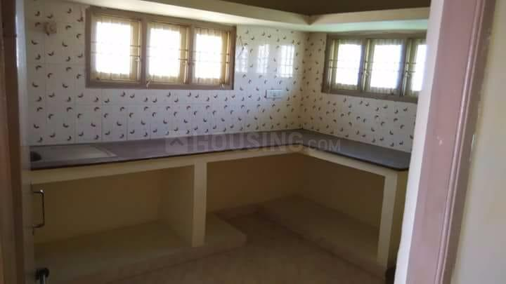 Kitchen Image of 950 Sq.ft 2 BHK Independent Floor for rent in Guduvancheri for 10000