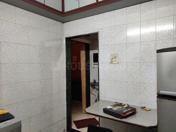 Kitchen Image of 680 Sq.ft 1 BHK Apartment for rent in Kopar Khairane for 25000