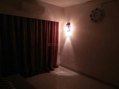 Gallery Cover Image of 950 Sq.ft 2 BHK Apartment for rent in Bandra East for 90000