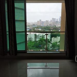 Gallery Cover Image of 595 Sq.ft 1 BHK Apartment for rent in Mulund West for 27000