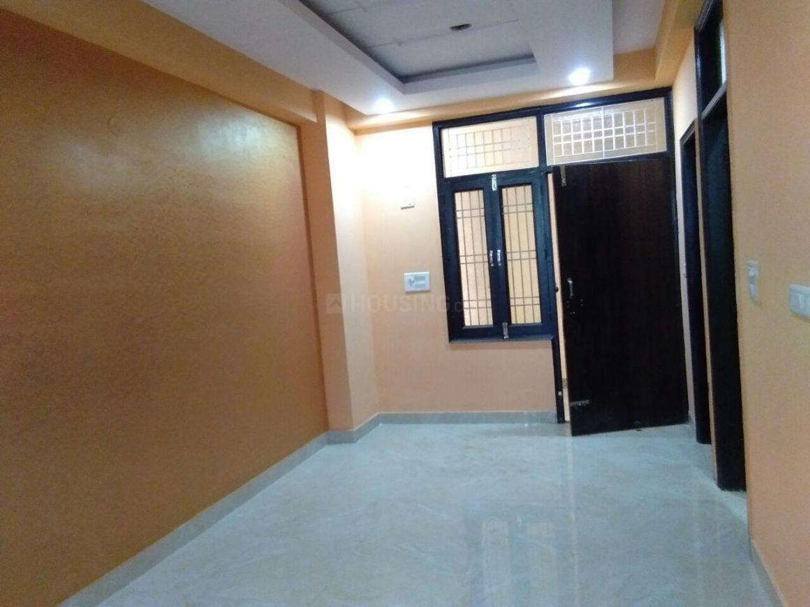 Living Room Image of 710 Sq.ft 2 BHK Apartment for rent in Dahisar East for 28000