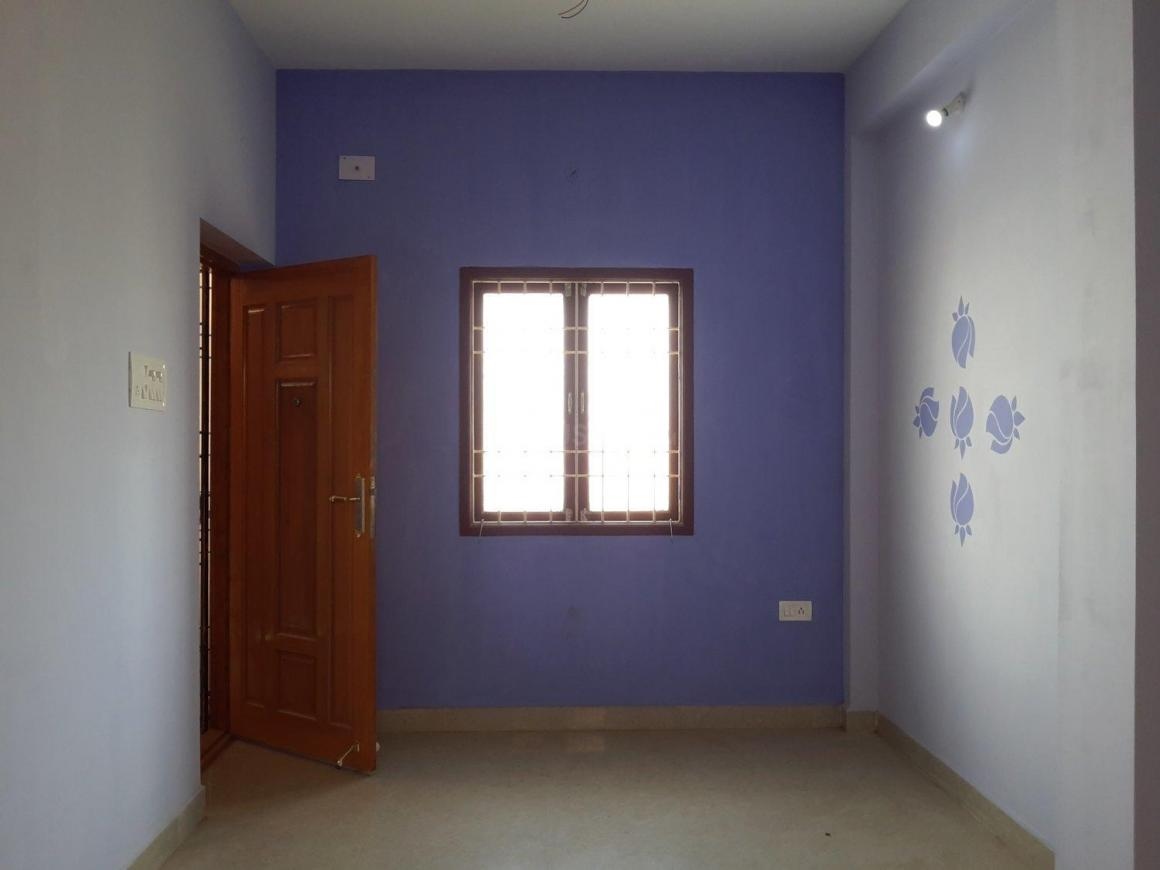 Living Room Image of 486 Sq.ft 1 BHK Apartment for buy in Surappattu for 1750000