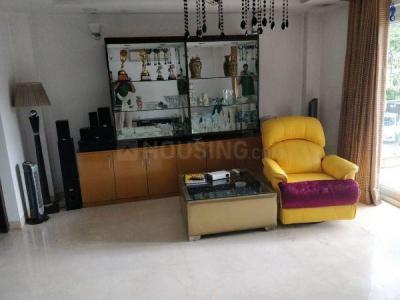 Gallery Cover Image of 2050 Sq.ft 4 BHK Apartment for rent in Chittaranjan Park for 100000