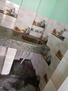 Gallery Cover Image of 1700 Sq.ft 2 BHK Independent House for rent in Chipiyana Buzurg for 5000