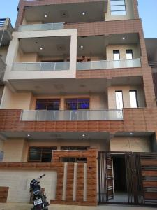 Gallery Cover Image of 1600 Sq.ft 3 BHK Independent Floor for buy in Sector 91 for 5310000