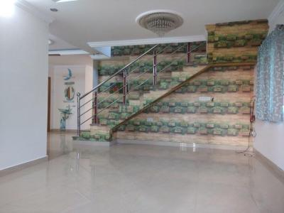Gallery Cover Image of 2560 Sq.ft 3 BHK Independent Floor for rent in Neelankarai for 40000