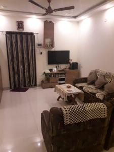 Gallery Cover Image of 1394 Sq.ft 3 BHK Apartment for rent in Daldal Seoni for 15500