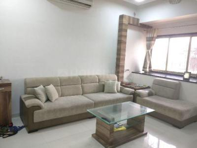 Gallery Cover Image of 1065 Sq.ft 3 BHK Apartment for rent in Silver Palace, Bandra West for 110000