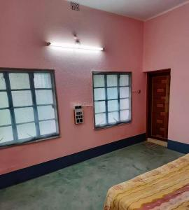 Gallery Cover Image of 1200 Sq.ft 3 BHK Independent Floor for rent in New Barrakpur for 7000