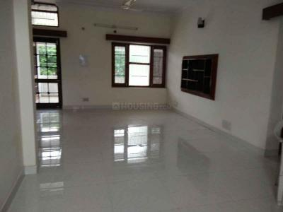 Gallery Cover Image of 1900 Sq.ft 4 BHK Independent Floor for rent in Sector 18 for 45000